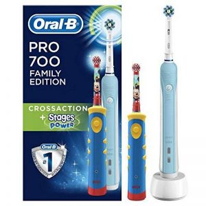 Braun Oral-B Family Edition Mickey avec Oral-B Pro 700 + Stages Power Mickey Mouse de la marque Oral-B image 0 produit