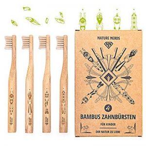 Nature Nerds - Petit ensemble brosse à dents en bambou pour enfants (paquet de 4) ♻ Poignée et emballage en bambou 100% cultivé de façon durable et 100% biodégradable, 100% végétalien, 100% sans BPA /// Dureté: main douce et durable Brosse à dents (brosse image 0 produit