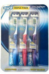 Oral B Pro Expert Pulsar Lot de 3 brosses à dents Poils moyens Pour nettoyage en profondeur de la marque Oral-B image 0 produit