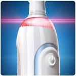 Oral-B Smart 6 6200W 3DWhite Brosse à Dents Électrique Rechargeable, 1 Manche Connecté, 5 Modes, 3 Brossettes, 1 Étui de Voyage Premium de la marque Oral-B image 3 produit